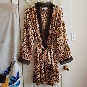 Morgan Taylor Intimates Leopard Print Kimono Robe